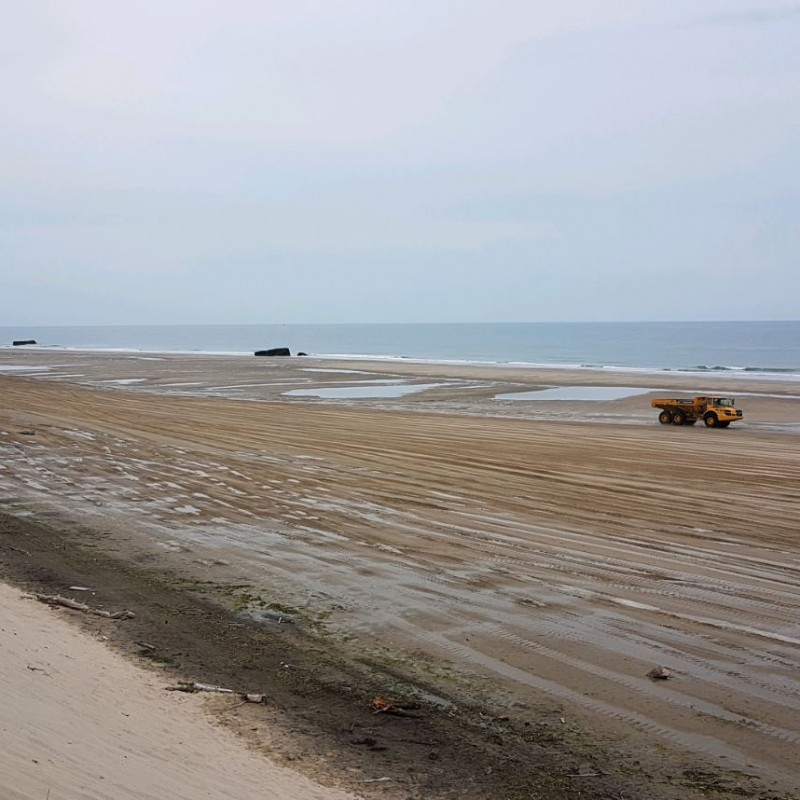 Travaux de rechargement de la plage sud